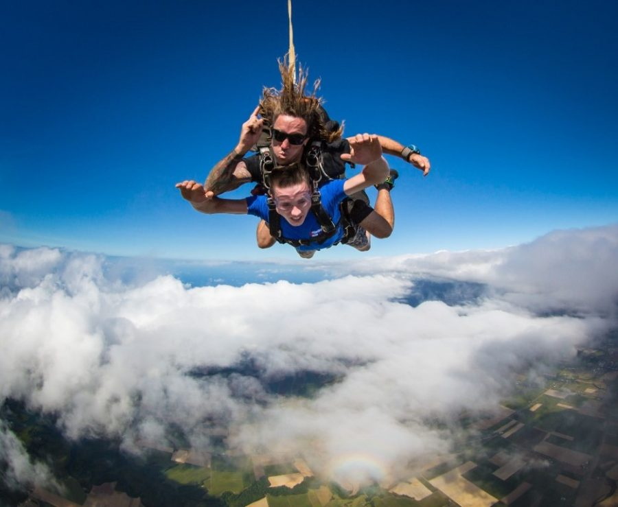 see-amazing-views-skydiving-in-c-18953_1024x841